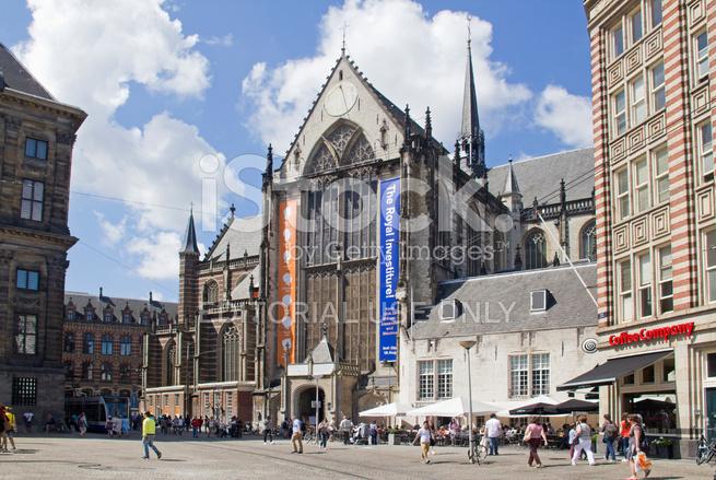 Church on dam square in amsterdam stock photos for Ostello amsterdam piazza dam