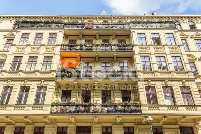 Berlijn oude huis gevel stockfoto s freeimages