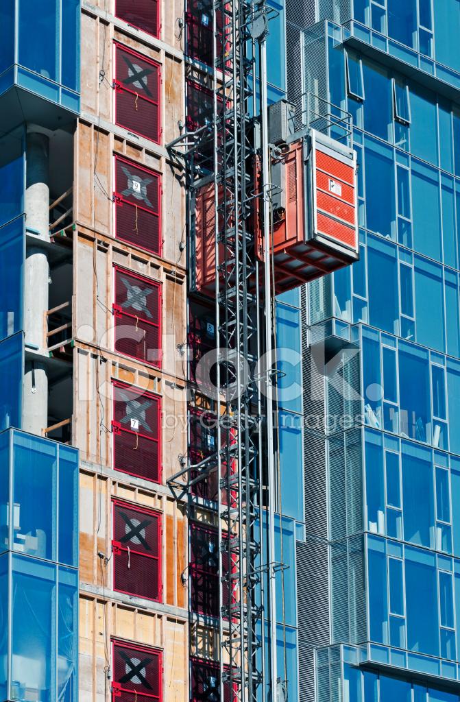Ascensor Edificio De Oficinas En Construcci N Ascendente
