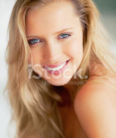 Тело блонди крупным планом фото