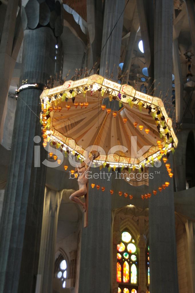 Inside la sagrada familia the amazing cathedral by gaudi for La sagrada familia inside
