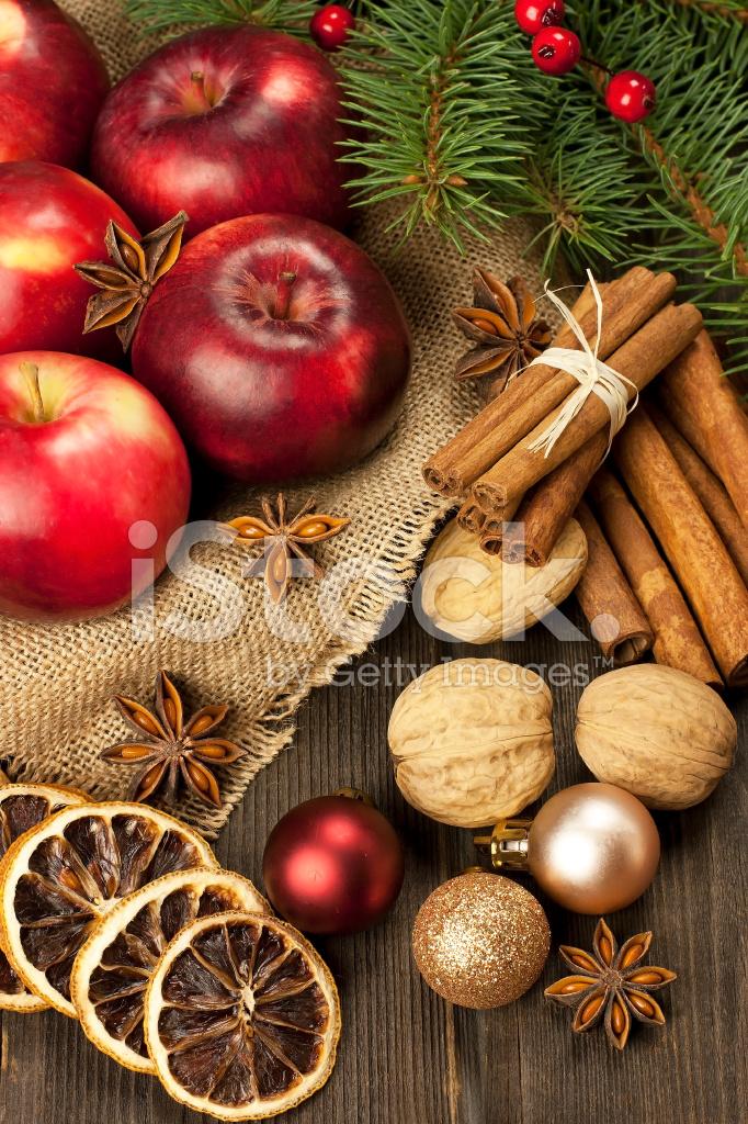 Immagini Natale Natura.Natale Natura Morta Con Frutta E Spezie Fotografie Stock