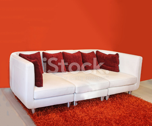 Divano Rosso Cuscini : Divano cuscino rosso fotografie stock freeimages