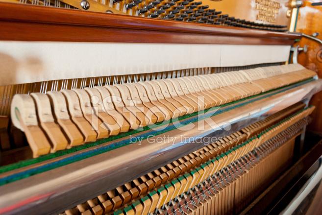 meccanismo aperto pianoforte verticale fotografie stock