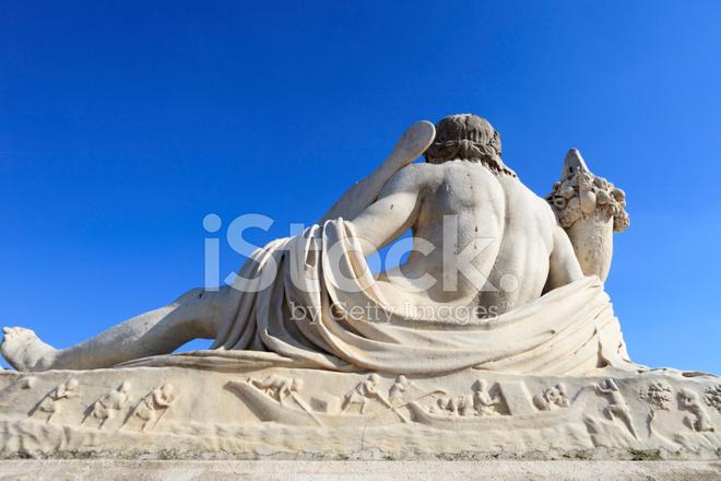 Sculpture of the tiber at jardin des tuileries in paris - Statues jardin des tuileries ...