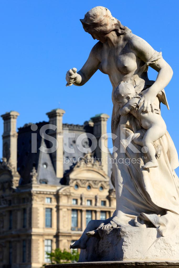 Sculpture of medea at the jardin des tuileries in paris - Statues jardin des tuileries ...