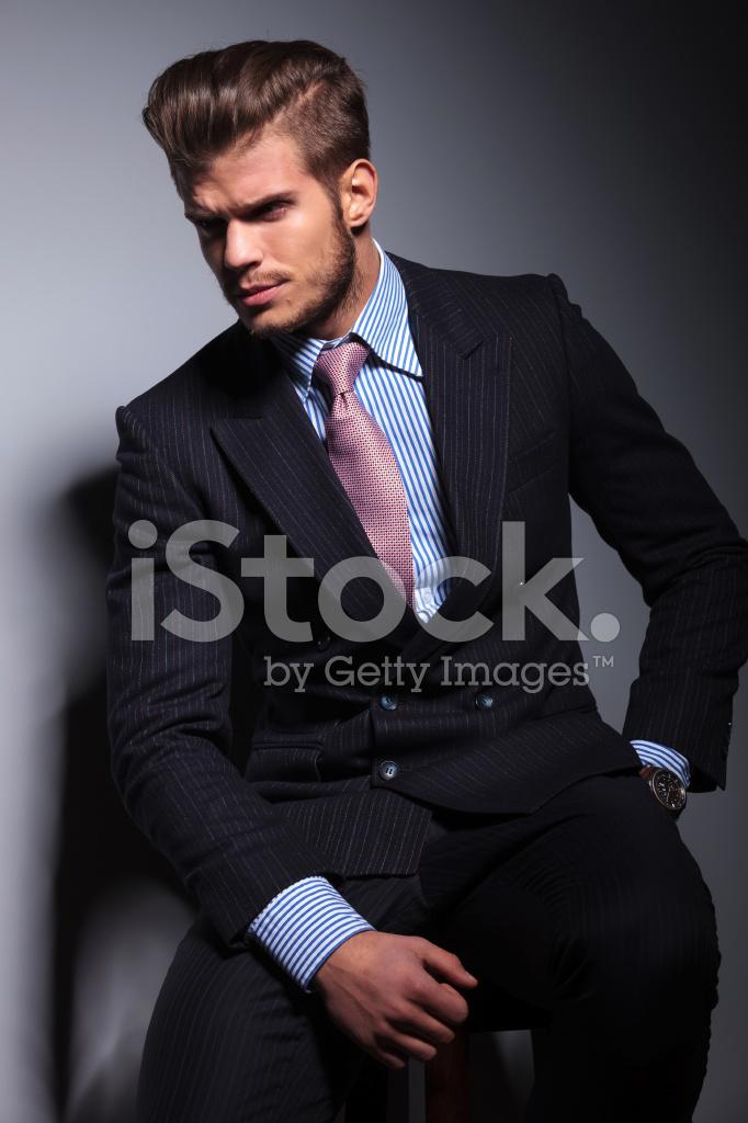 Homme D Affaires De Jeunes En Colere En Classique Costume Et Une