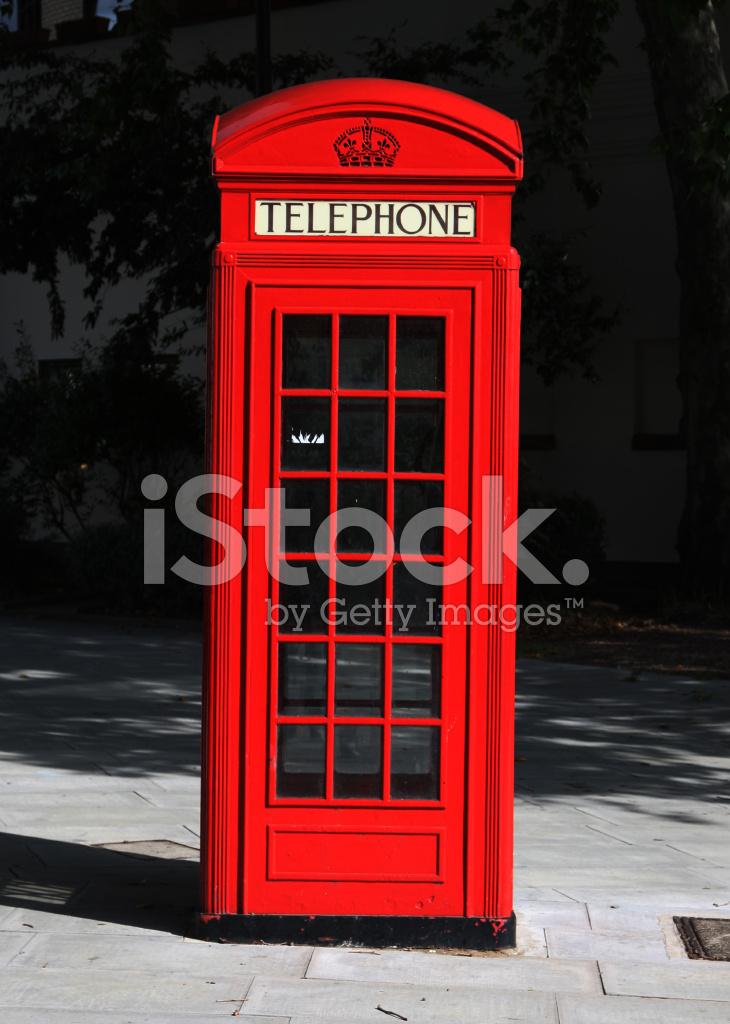 Cabina telef nica inglesa fotograf as de stock for Cabina telefonica inglese arredamento