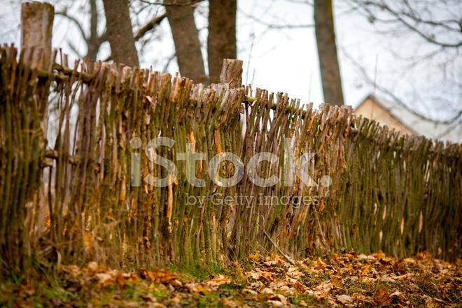 Rustikale Weide Zaun Stockfotos - FreeImages.com