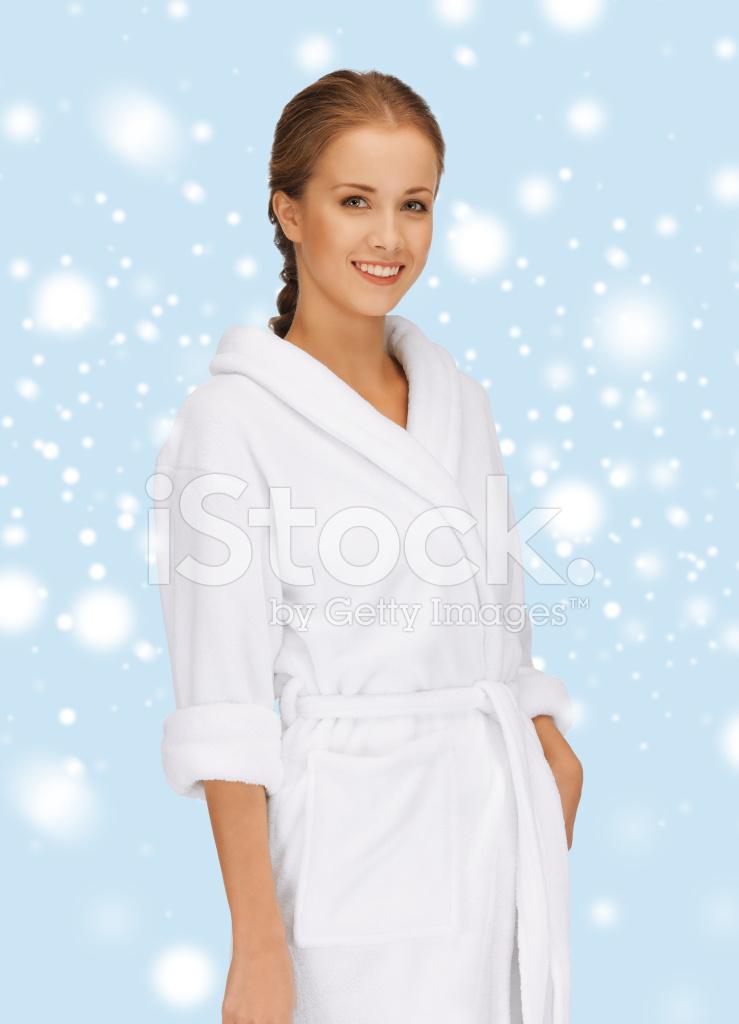 Фотография девушки в халате 8 фотография