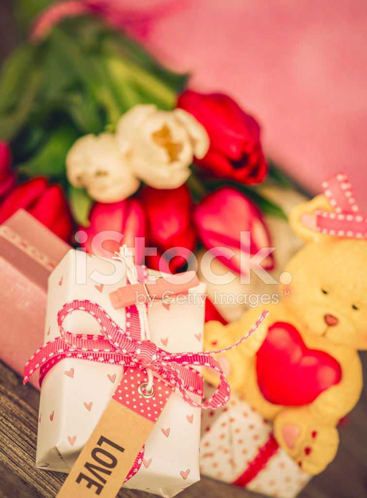 Valentine S Day Love You Gift And Fresh Flowers Stock Photos