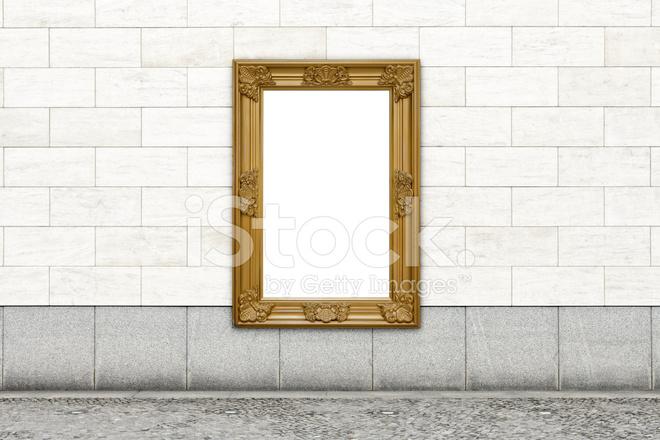 Pareti Doro : Billboard di lamina doro sulla parete xxl fotografie stock