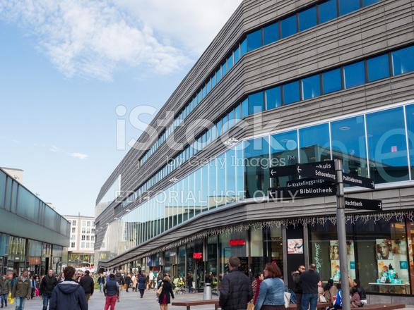 アルメレ、オランダの現代市民会...