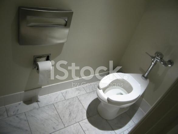 Donkere openbaar toilet marmeren vloer stockfoto s freeimages