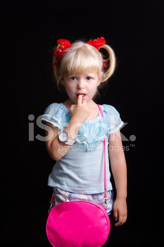 Фото девочка писает мальчику в рот 14 фотография