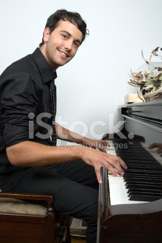マン ピアノ