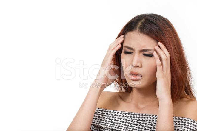 femme avec maux de t te migraine stress gueule de bois photos. Black Bedroom Furniture Sets. Home Design Ideas