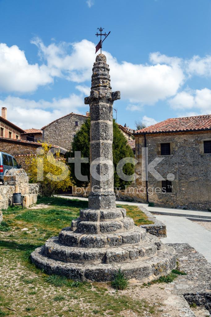 Calatanazor Medieval Pillory stock photos - FreeImages.com