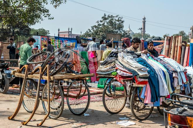 Old Fashioned Clothing Market