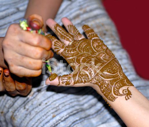 Henna Tatuaż Na Ręce Zdjęcia Ze Zbiorów Freeimagescom
