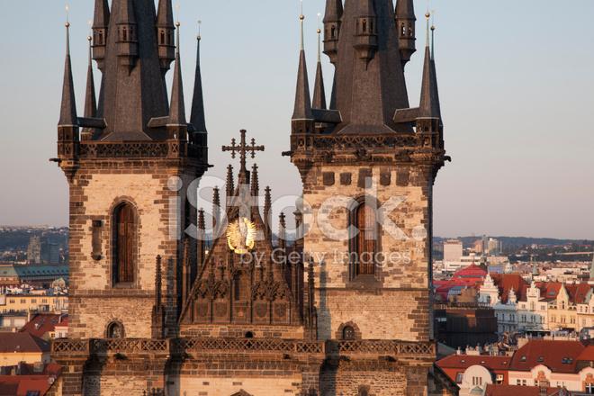Iglesia De Nuestra Senora De Tyn Y El Paisaje Urbano De Praga
