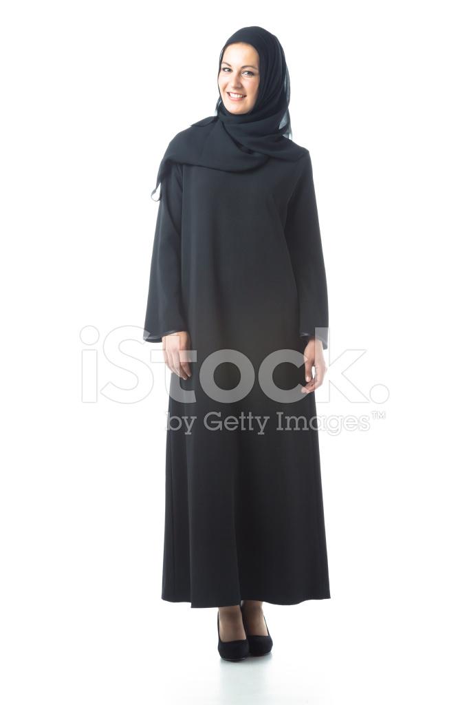 c8b39c115 Joven Mujer Vestida Con Ropa Tradicional Árabe Fotografías de stock ...