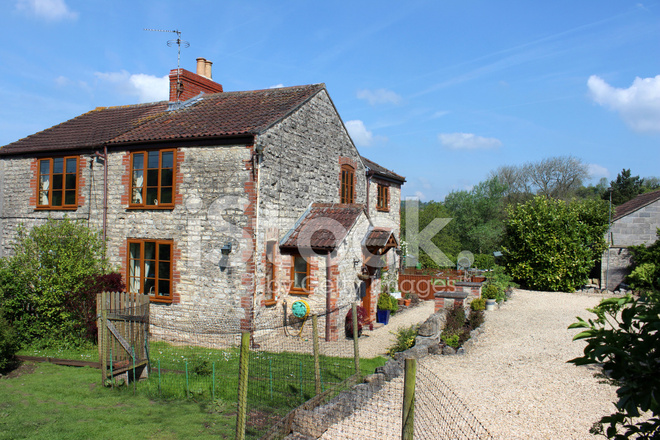 Immagine della casa cottage nella campagna inglese con for Piani di casa cottage inglese