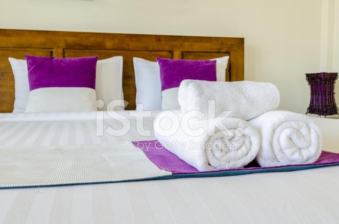 Slaapkamer decoratie moderne ontwerp in thaise stijl stockfoto s