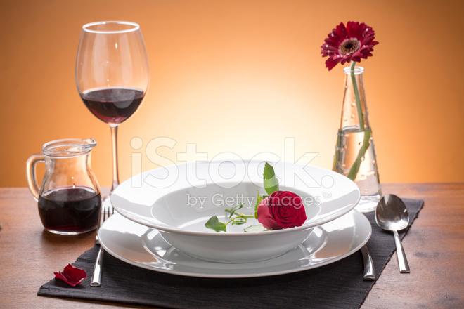 Romantische Gedekte Tafel Met Bloemen stockfoto u0026#39;s   FreeImages com