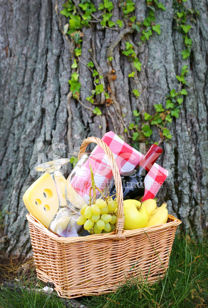 Picnic Basket Jakarta : Picnic basket with food stock photos freeimages