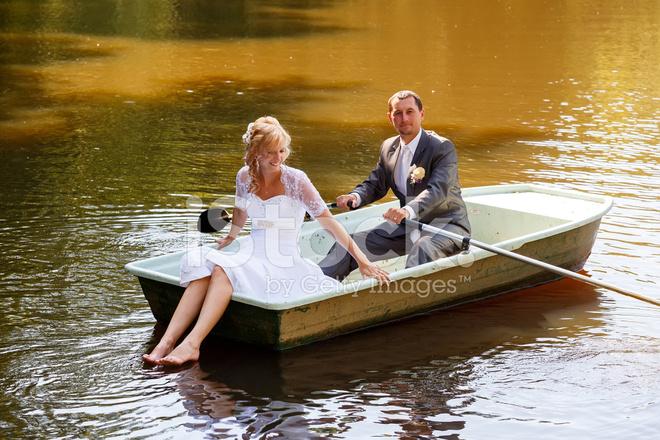Фото молодые в лодке — img 7