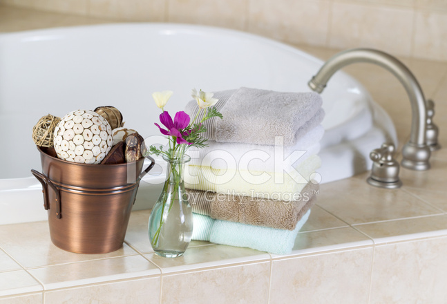 Whirlpool Bad Accessoires : Bad mit whirlpool accessoires stockfotos freeimages.com