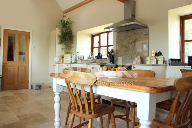 Land Küche, Granit Arbeitsplatte, Bereich Gasherd, Fliesenboden ...