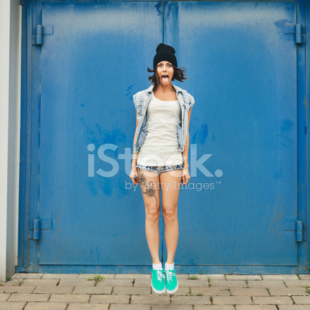 2881f342745 Cute Hipster Teenage Girl With Black Beanie Hat Stock Photos ...