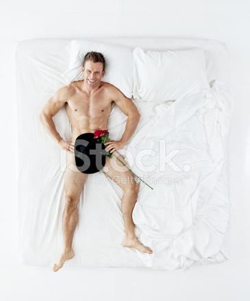 Обнаженный мужчина лежа фото, видео девушки с членом