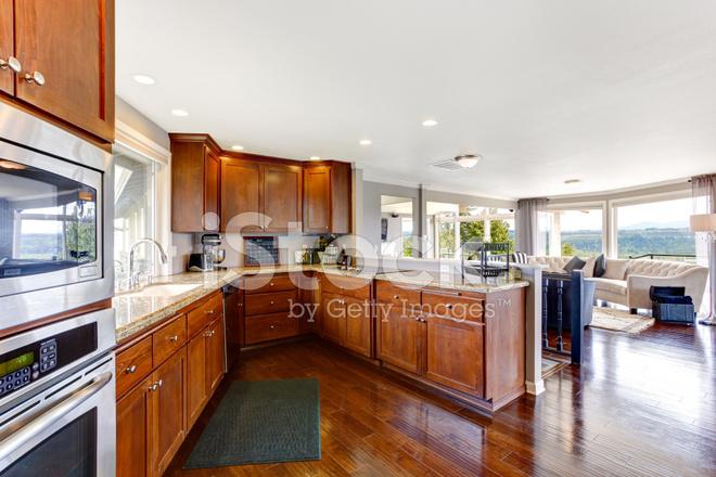 Geräumige Luxus Küche Zimmer