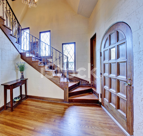 https://images.freeimages.com/images/premium/previews/4472/44724698-luxury-house-interior-entrance-hallway-with-staircase.jpg