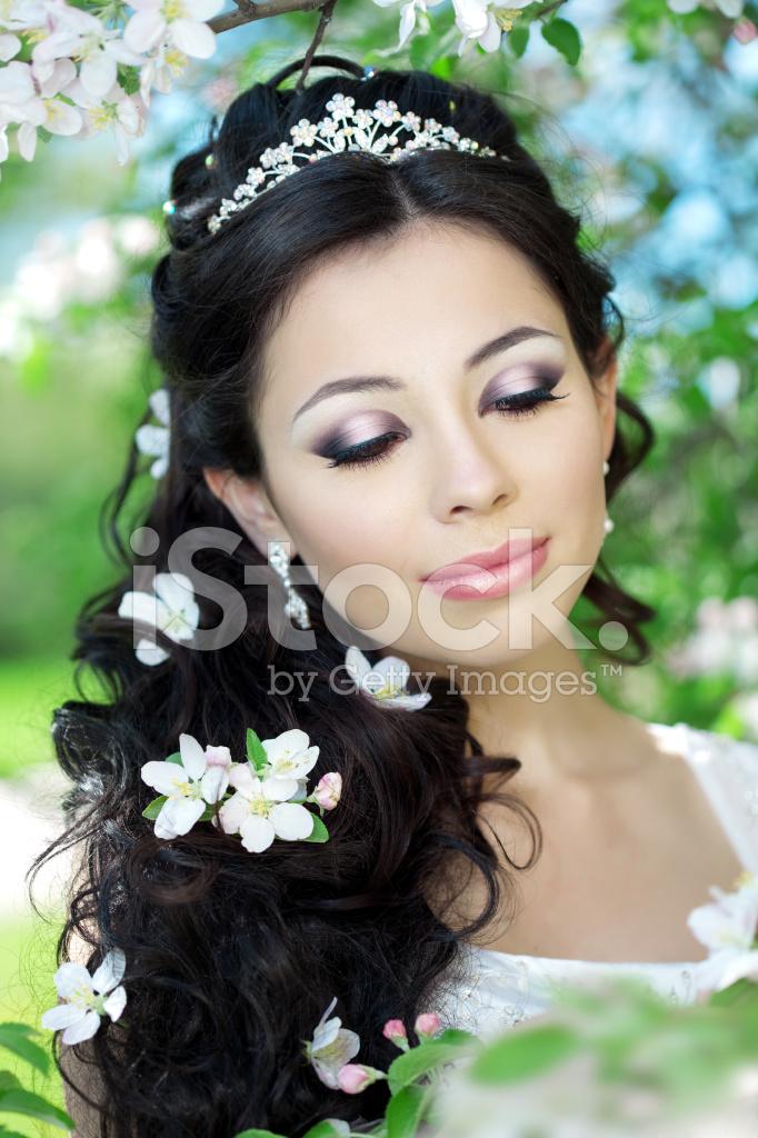 красивые шикарные свадебные прически и макияж