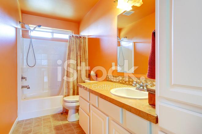 Interni bagno luminoso arancione fotografie stock freeimages