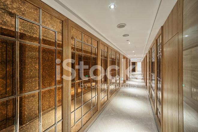 Decoratie Interieur Corridor : Moderne kantoor gang antieke decoratie stockfoto s freeimages