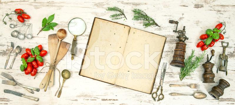 Utensilios de cocina vintage con antiguas recetas for Utensilios de cocina vintage