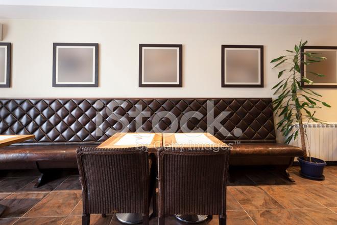 Cafe Interieur MIT Leeren Bilderrahmen Stockfotos - FreeImages.com