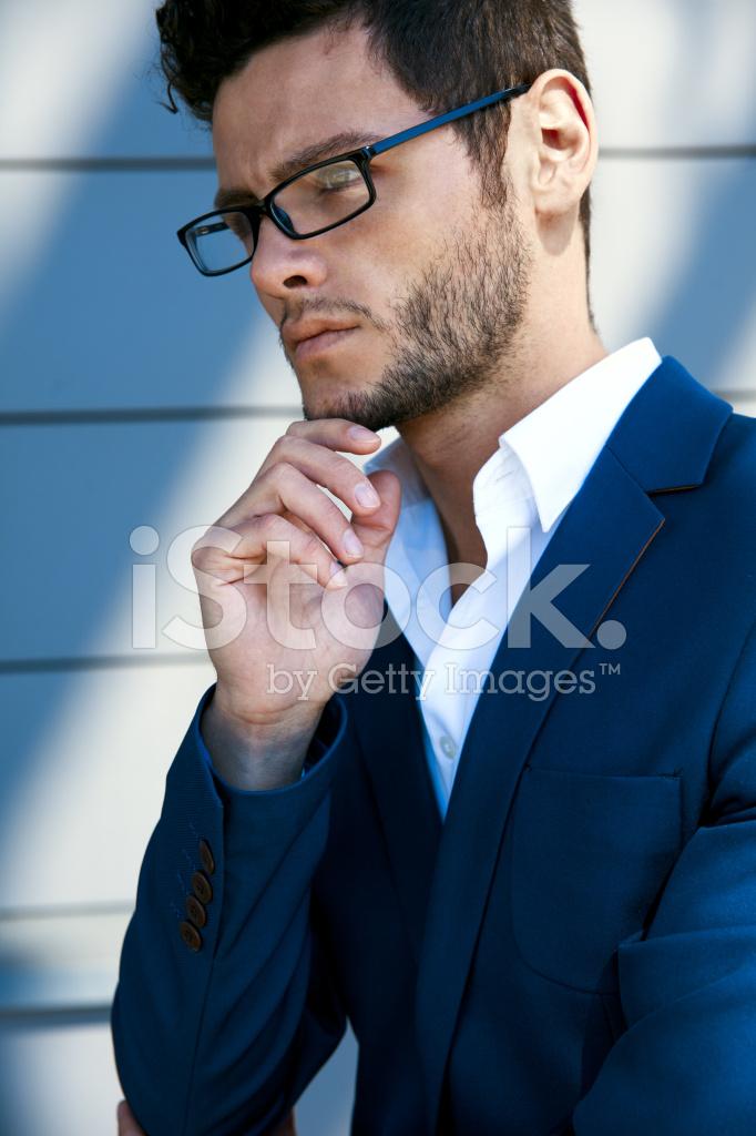 junger hübscher mann