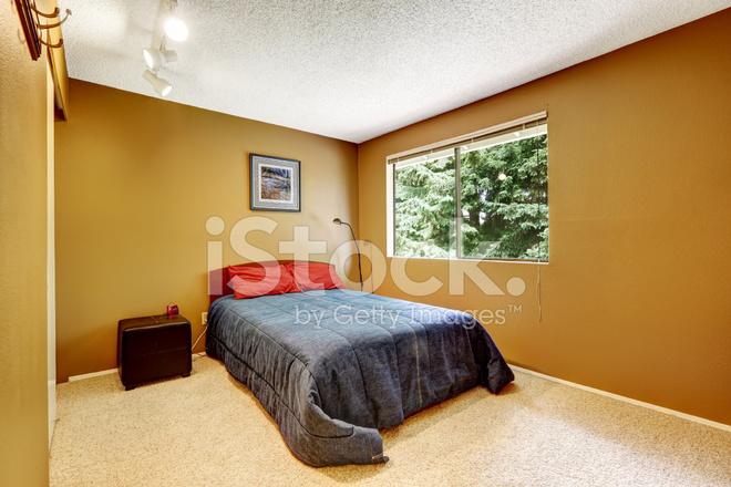 Gemütliche Schlafzimmer IN Materie Weiche Braune Farbe Stockfotos ...