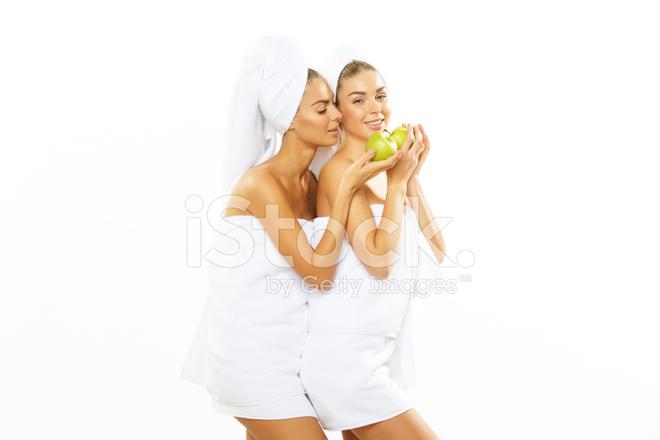 Teen beim duschen