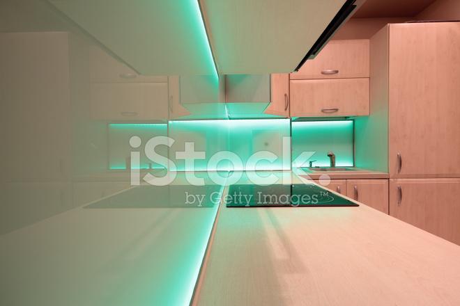 Cocina De Lujo Moderno Con Iluminación LED Verde