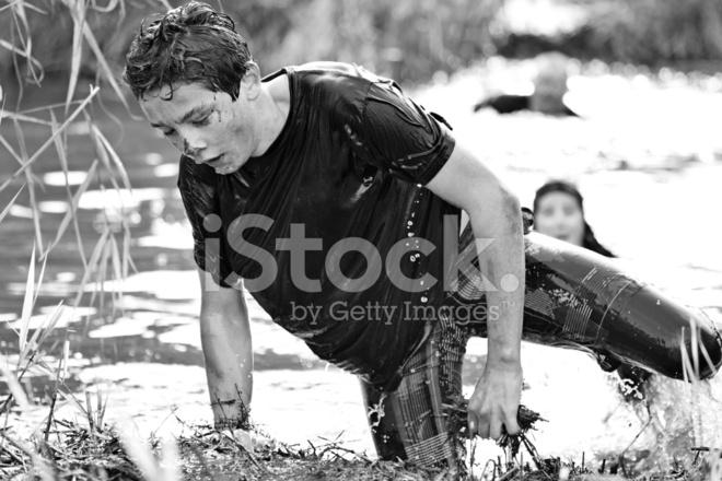 Teenager im Wasser