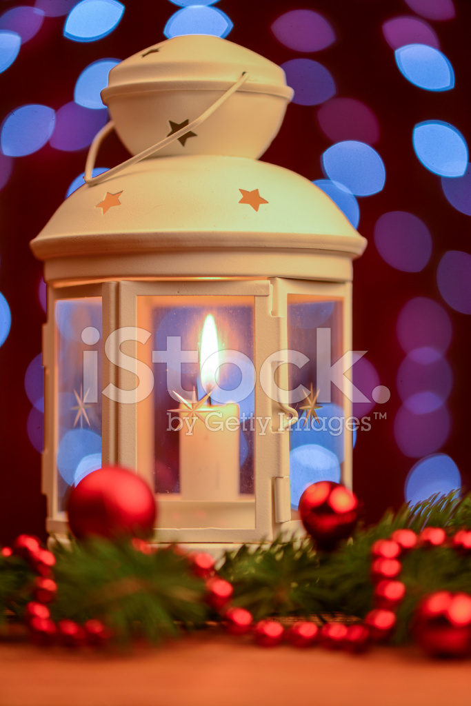 白色圣诞节灯笼和蜡烛 照片素材 - freeimages.com