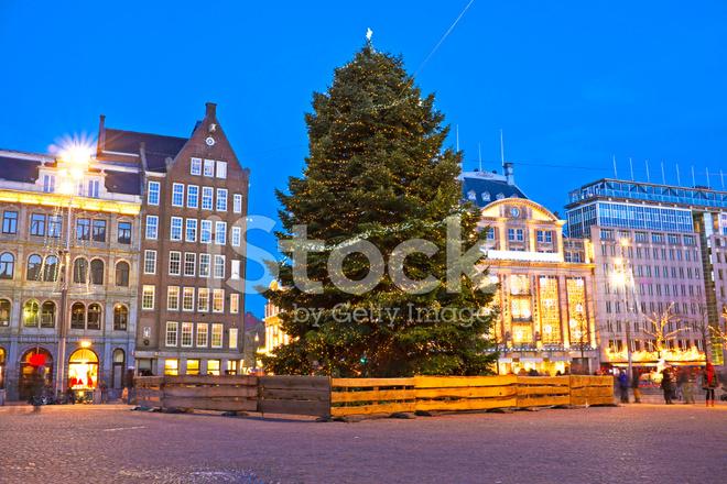 Damsquare In Amsterdam Zu Weihnachten Die Niederlande Stockfotos