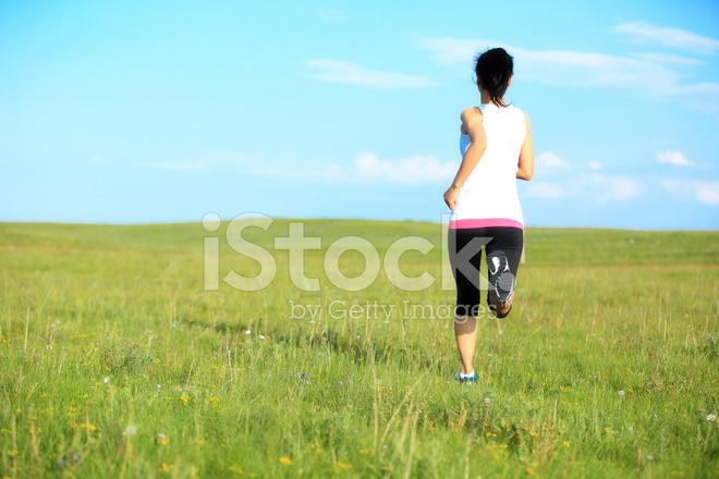 Фото бегущих девушек сзади фото 16-990